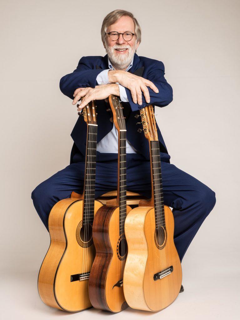Michael Dossow - mit Gitarren!